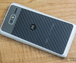 Moto X customizations include colors and engraving; ships direct from US factory | MotoX | Scoop.it