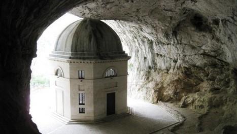 Cosa vedere nella Marche, il tempio del Valadier a Genga | Le Marche un'altra Italia | Scoop.it
