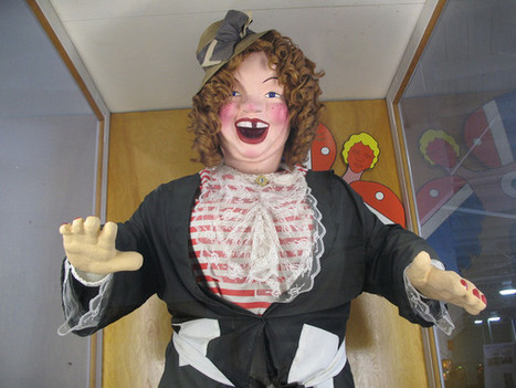 The Story of Laffing Sal, the World's Most Uncanny Animatronic Doll | Outbreaks of Futurity | Scoop.it