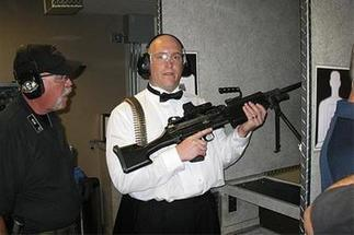 Shotgun weddings? Vegas pairs guns with love chapels | Littlebytesnews Current Events | Scoop.it