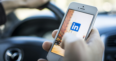 25 LinkedIn Facts and Statistics You Need to Share | Communications and Social Media | Scoop.it