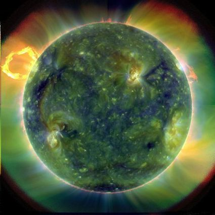 """The Great Switch"" --Sun's Magnetic Field Does a Complete Reverse Every 11 Years 