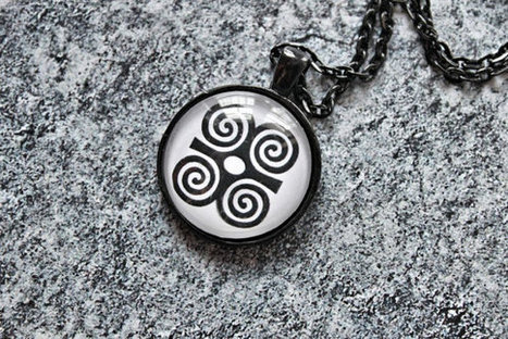 DWENNIMMEN Adinkra Charm, Adinkra Necklace, Adinkra Jewelry, African Art Pendant, Picture Pendant, Afro Chic, Black and White | The Art of Technology | Scoop.it