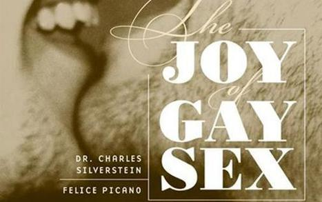 "Fa coming out e i genitori gli regalano ""The Joy of Gay Sex"" 
