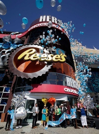 Hershey's Chocolate World retail experience unwrapped on Las Vegas Strip - A Beauty Feature | As I travel | Scoop.it