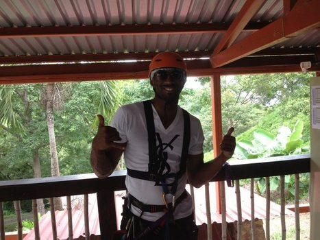 Kobe Bryant of the Los Angeles Lakers Ziplining in Belize | Belize in Photos and Videos | Scoop.it