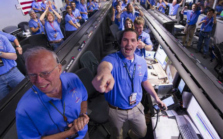 "Curiosity Lands on Mars: NASA's Behind the Scenes Images | Buffy Hamilton's Unquiet Commonplace ""Book"" 