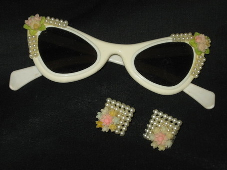 1950's White plastic cat-eye rockabilly swing sunglasses w/matching earrings - The Vintage Village | Vintage Passion | Scoop.it