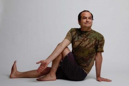 Men Hate-Love Their Yoga Bodies, Too - YogaDork | Yoga for men | Scoop.it