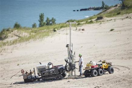 Study: Rotting trees caused mysterious holes in huge dunes | Conformable Contacts | Scoop.it