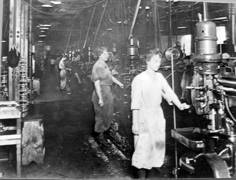 working conditions in early 1900s What were working conditions like in chicago during the late nineteenth and early twentieth centuries what efforts did workers make to change these conditions  but, by the 1900s, the great majority came from eastern and southern europe, including jews, italians, czechs, russians, and poles.