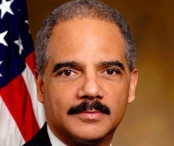 Attorney General Holder defends Swartz case as 'a good use of prosecutorial discretion' | Show Up Public | Scoop.it