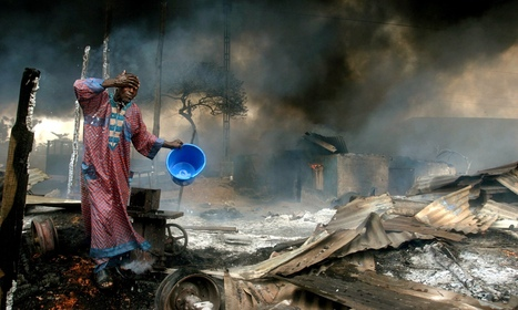 Akintunde Akinleye's best photograph: the aftermath of a Nigerian pipeline explosion | The Guardian | Kiosque du monde : Afrique | Scoop.it