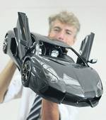 Voici le modèle réduit de voiture le plus cher au monde... et il coûte 12 fois plus cher que l'original. | Mais n'importe quoi ! | Scoop.it