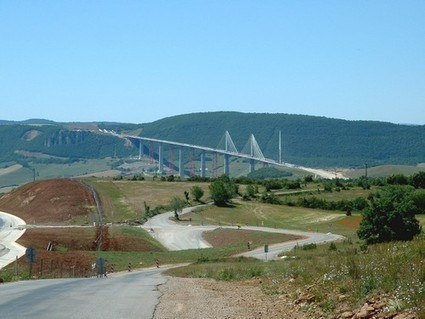 Sur le pont ...enfin le viaduc de Millau ! | En France aussi | Scoop.it