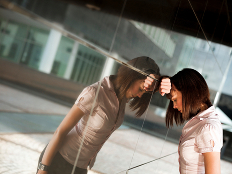5 Hidden Assumptions That Keep Women From Living Larger | Leadership development | Scoop.it