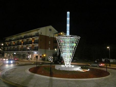 Ensley: Unimposing light does not dim sculpture - Tallahassee.com | glass sculpture | Scoop.it
