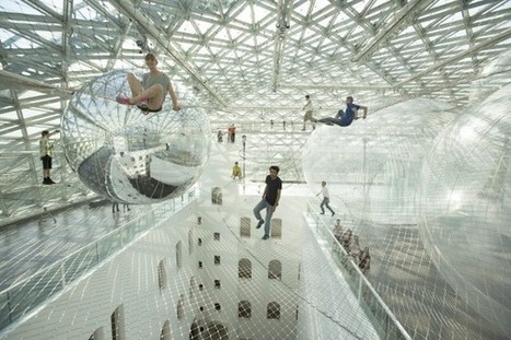 Tomás Saraceno Takes Over Dusseldorf With Giant INFLATABLE Plastic Metaphor...a fanciful landscape that's as social as it is architectural. | art move | Scoop.it