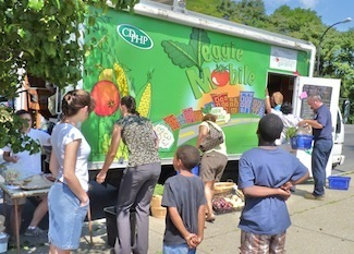 Community Garden Network with Attendant Veggie Mobile Serves 'Foodies in Food Deserts' | Developing Policies for Improved Access to Healthier Foods | Scoop.it