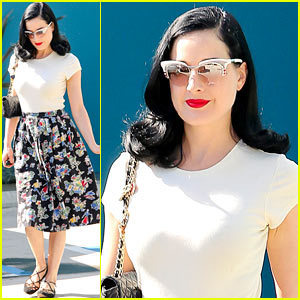 Dita Von Teese: 'Strip Strip Hooray' New York Tickets Available! | Celebrating Fabulosity: