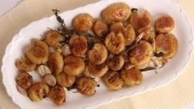 Golden Roasted Potatoes Recipe - Laura in the Kitchen | Award Winning Recipes | Scoop.it