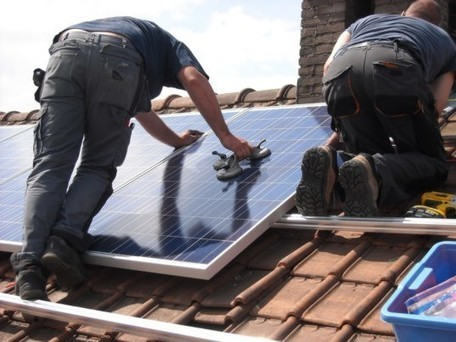"""SolarCity announces plan to give """"green"""" Airbnb hosts $1000 