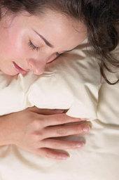 'Straling van mobiele telefoon beïnvloedt nachtrust negatief' - IT Pro - Nieuws - Tweakers | Mobieltjes in bed | Scoop.it