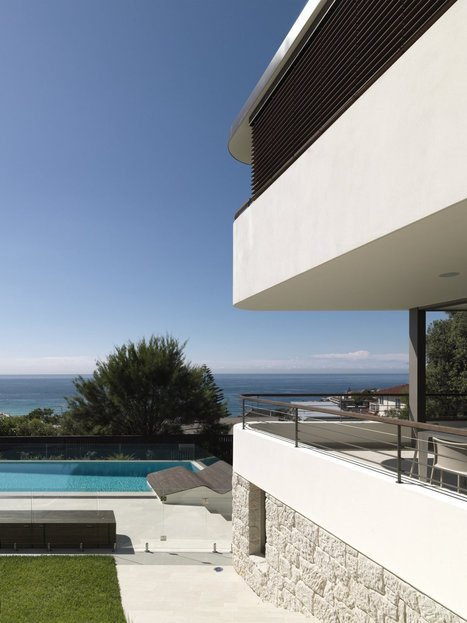 Big Balcony House for Young Family by Luigi Rosselli Architects ... | Beautiful Beach Houses | Scoop.it