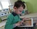Tablettes tactiles à l'école : plus d'avantages que d'inconvénients - France Info | TICE - Projet The Ghost | Scoop.it
