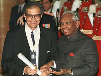 Amartya Sen controversy: Indian Civilian Awards 101 for Chandan Mitra | News | Scoop.it