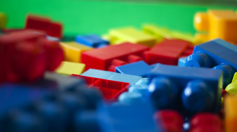 We made a HUGE Lego wall!  Here is how we did it. - FractusLearning inspiration via @DianaLRendina | idevices for special needs | Scoop.it