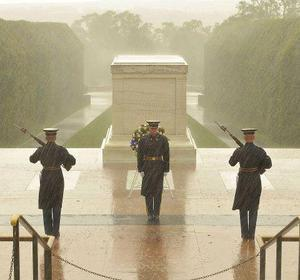 PHOTO: Despite Sandy, Soldiers Stand Guard At Tomb Of The Unknown Soldier : NPR   Upsetment   Scoop.it