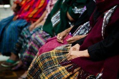 Mujeres Maya Q'eqchí de Sepur Zarco marcan hito histórico contra la esclavitud sexual como acto de guerra | Genera Igualdad | Scoop.it