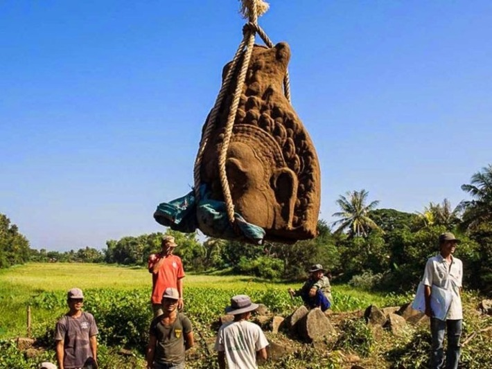 Three Angkorian-era statue heads unearthed in Cambodia | Archaeology News Network | Asie | Scoop.it