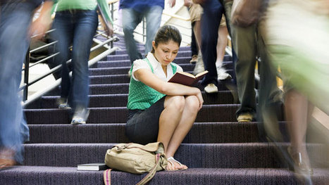Why Don't Teens Read For Pleasure Like They Used To? | School Libraries and more | Scoop.it