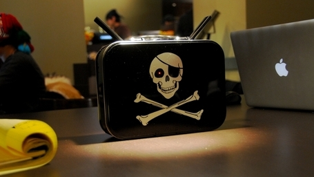PirateBox - a self-contained mobile communication and file sharing device by David Darts Wiki | INFORMATIQUE 2013 | Scoop.it