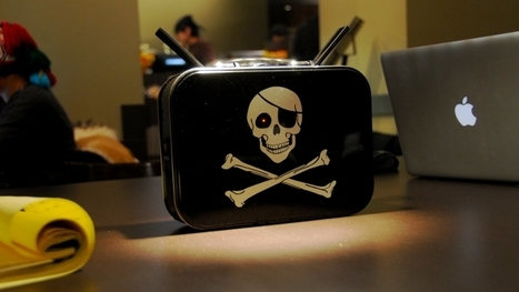 PirateBox - a self-contained mobile communication and file sharing device by David Darts Wiki | Geeks | Scoop.it
