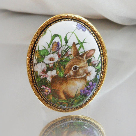 Vintage Handpainted Bunny Rabbit Cameo Brooch. Spring Flowers. Easter Bunny Pin. Porcelain Cameo Brooch.   I Love Vintage Jewelry   Scoop.it