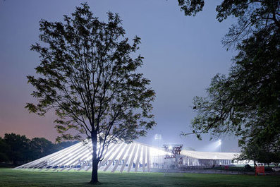 [Between Manhattan, Bronx and Queens on Randall's Island] Frieze Art Fair NYC by SO-IL - Dezeen | The Architecture of the City | Scoop.it