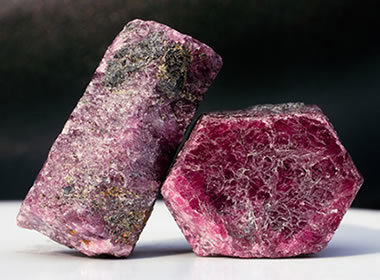 Corundum: Use as a Gemstone, Abrasive, Refractory   Our Earth's Geology, Minerals & Gemstones   Scoop.it