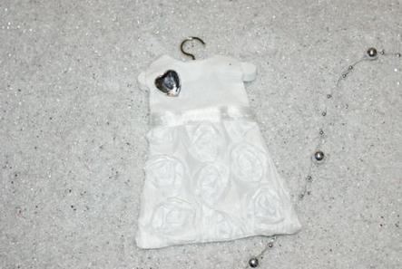 ballotin baptême   robe coeur blanche   dragées   Puériculture   Scoop.it