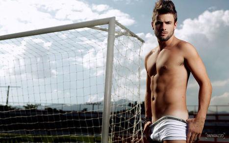Rafael Licks Shirtless for Paparazzo | Male Model | Scoop.it
