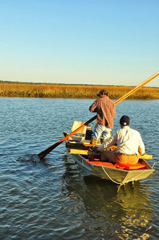 Coasting the Lowcountry: Gathering Oysters: Tonging North Inlet   Lowcountry Lifestyle   Scoop.it
