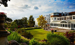 A FLEXIBLE WEDDING VENUE IN KENT - Bromley Court Hotel   Venues and Places to stay   Scoop.it