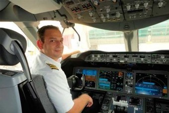Conoce al primer piloto peruano del Boeing 787 'Dreamliner' - Aeronoticias.com.pe   Aviación Española   Scoop.it