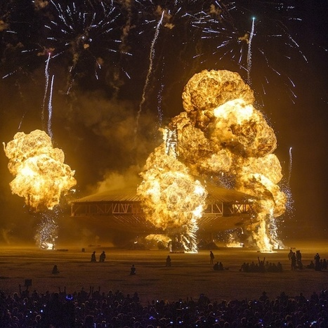 Explosive Photos of the Burning Man Spaceship in Flames   Le It e Amo ✪   Scoop.it