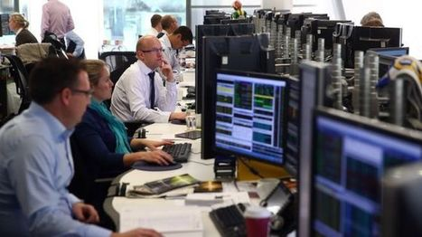 FTSE 100 hits record high as pound falls further - BBC News | Economics | Scoop.it