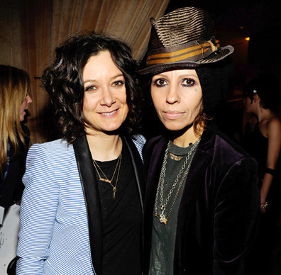 Linda Perry: 5 Things to Know about Sara Gilbert's New Wife | News | FanPhobia - Celebrities Database | FanPhobia Celebrities News | Scoop.it
