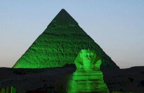 Giza Pyramid and Sphinx are lit with green light to mark St. Patrick's Day | Égypt-actus | Scoop.it