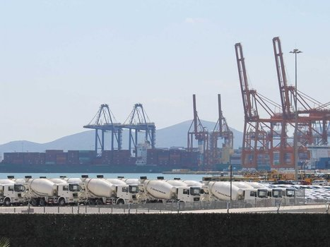 Photos of Greece's colossal shipping port show you why the economy is in tatters | Discover Sigalon Valley - Where the Tags are the Topics | Scoop.it
